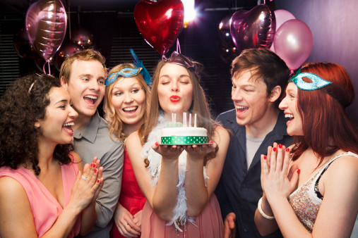 picture of birthday party celebration ; 4-How-to-celebrate-a-birthday-party-3