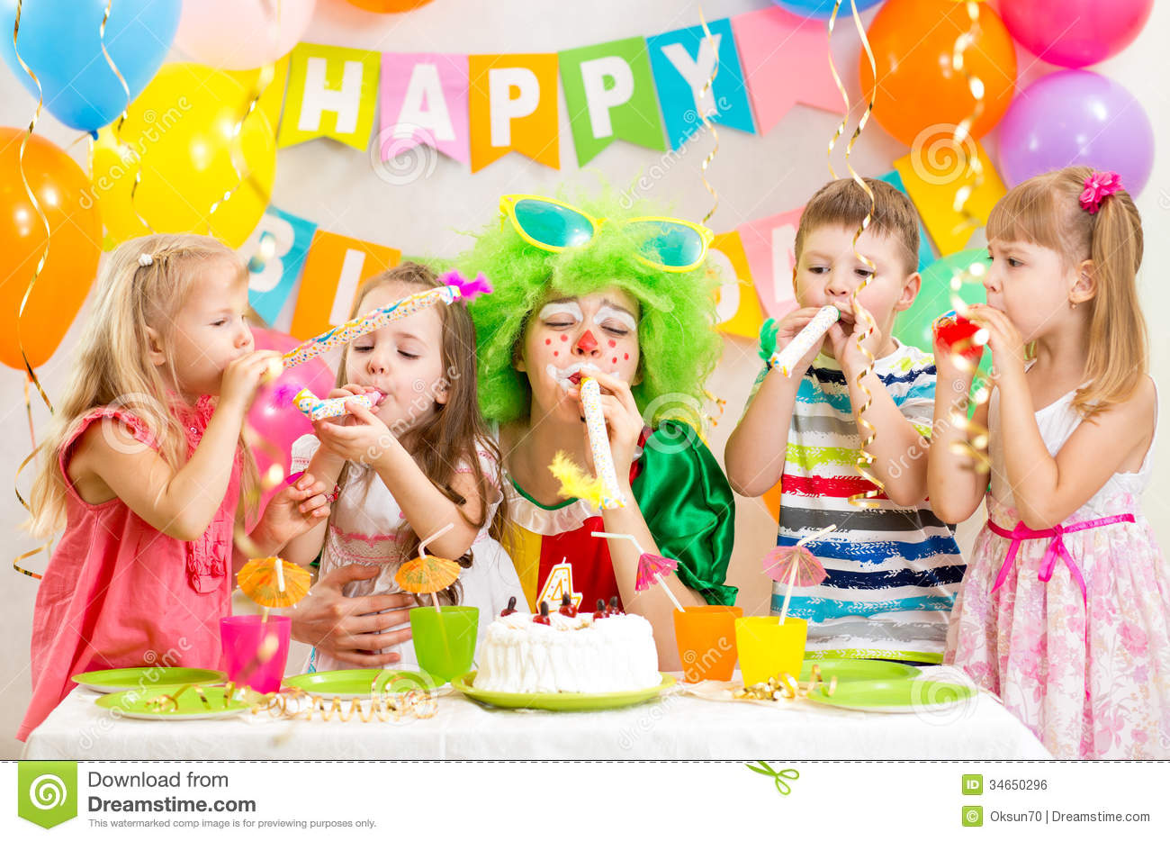 picture of birthday party celebration ; kids-clown-celebrate-birthday-party-34650296