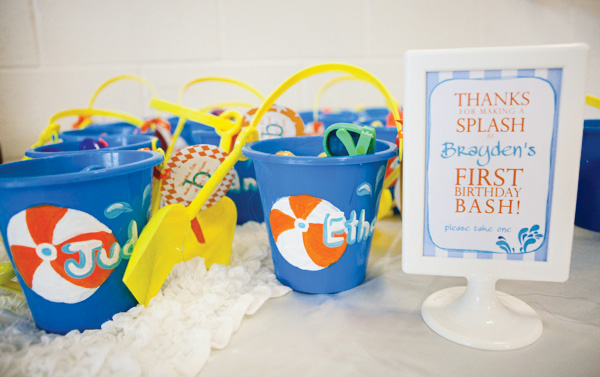 sample pictures of birthday giveaways ; blue-1st-birthday-party-favors-simple-classic-decoration-ideas-motive-sample-collection-themes