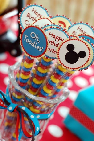 sample pictures of birthday giveaways ; mickey-mouse-party-giveaways