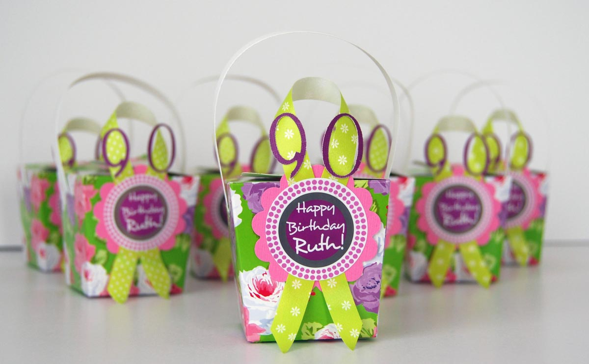 sample pictures of birthday giveaways ; party-favors-kids-birthday