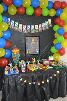 themed birthday party supplies ; 143735762bfcce36dfa001a46fc5aea3--uno-party