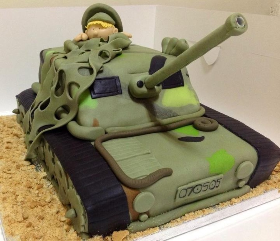 army tank birthday cake picture gallery ; 900_895093RR05_army-tank-birthday-cake