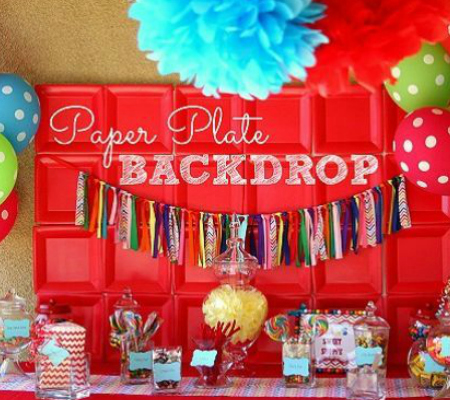 backdrop ideas for birthday party ; Easy-Paper-Plate-Backdrop