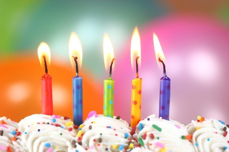 birthday candles ; AdobeStock_55080081-750x500