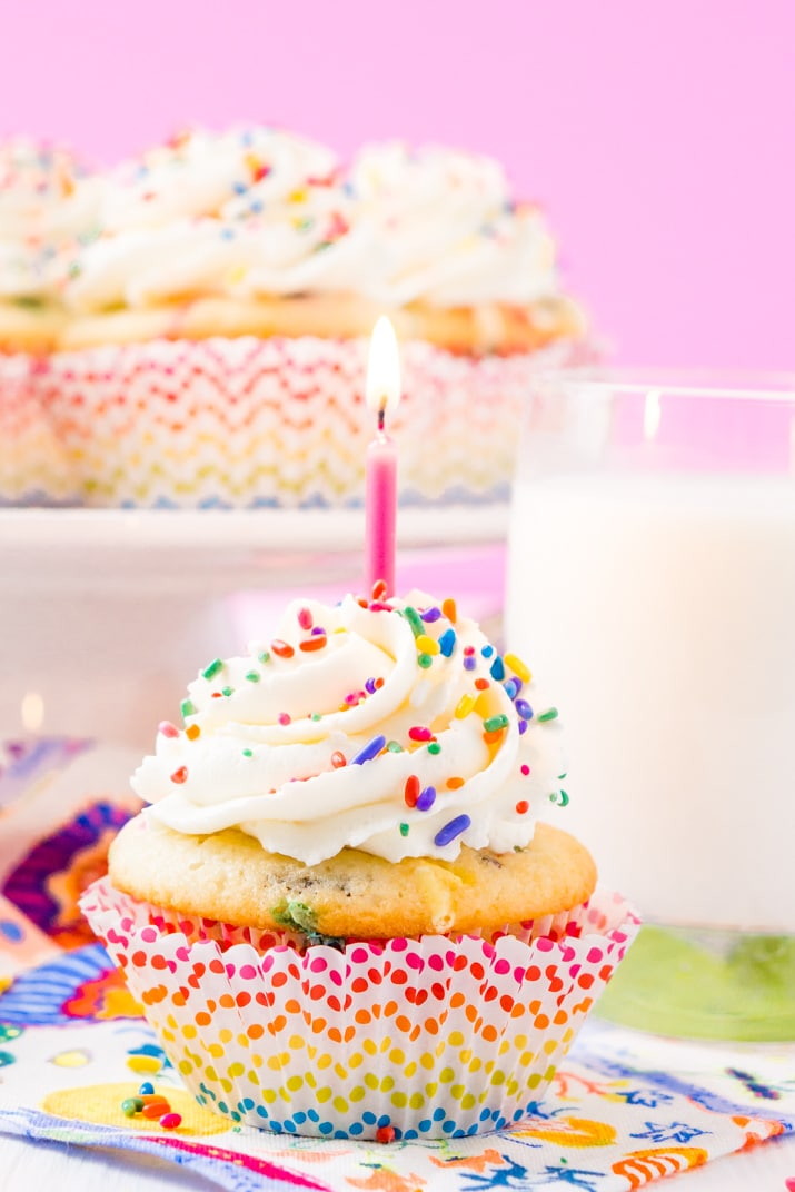 birthday cupcakes ; funfetti-birthday-cupcakes-recipe-6