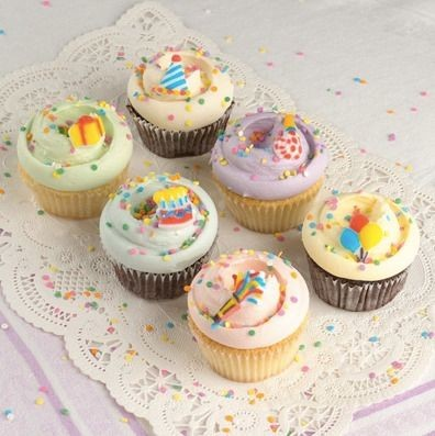 birthday cupcakes ; its-your-birthday-cupcakes