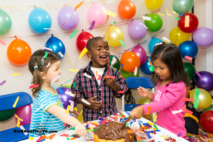 birthday party scene image ; Party-kids-10