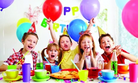 birthday party scene image ; open-presents-at-birthday-party-birthday-party-etiquette-cincinnati-family-magazine-free