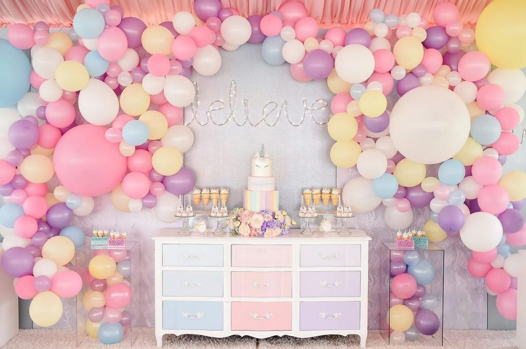 birthday party themes for girls ; Unicorn-1024x681