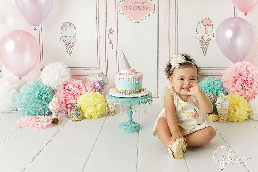 birthday photo session ; first-year-birthday-session-ice-cream-shop-cake-smash-1-year-old_0012