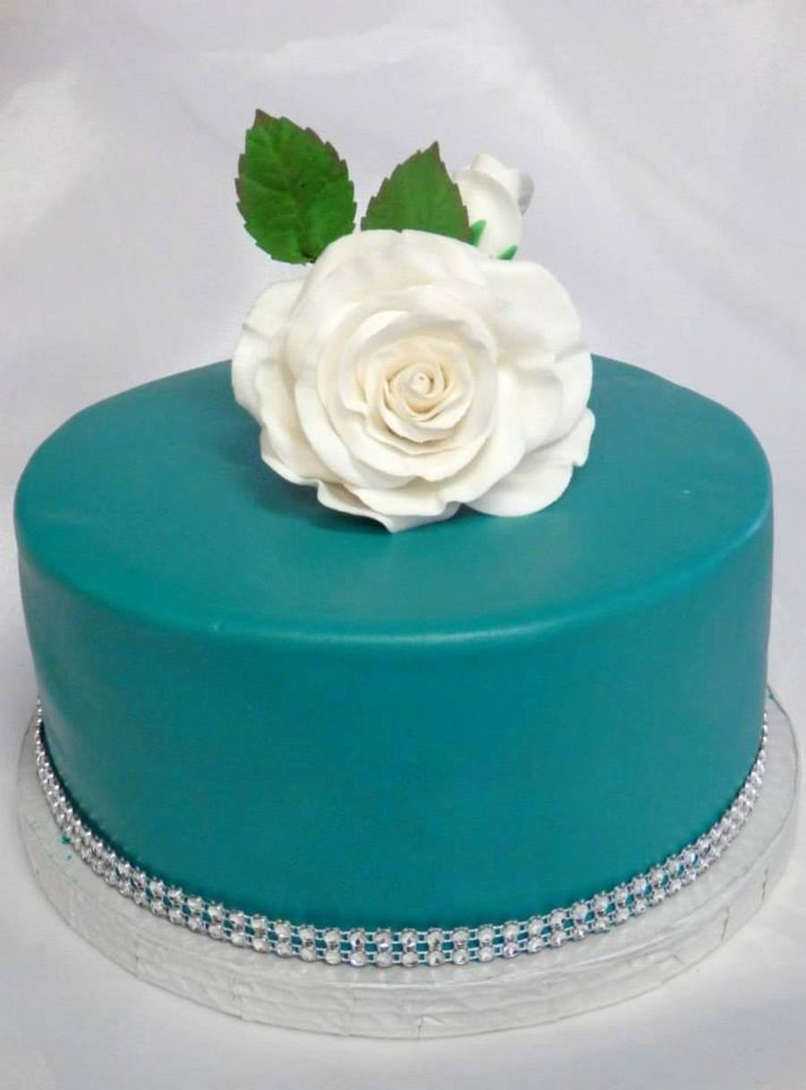 color a birthday cake ; 900_6591DyAX_birthday-cake-turquoise-color-with-some-black-to-deepen-it-simple-rose-birthday-lady-loved-it