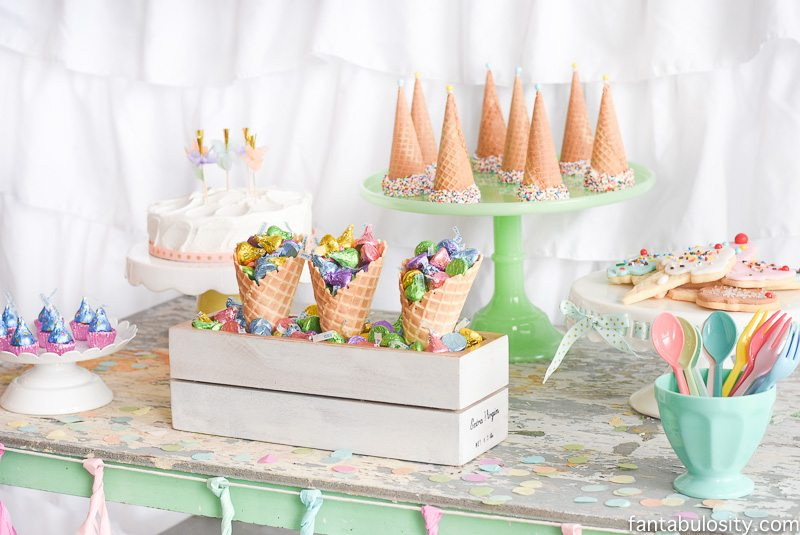 color themed birthday party ideas ; Ice-Cream-Party-Ideas-11