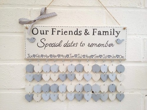 family birthday calendar sign ; 500x375