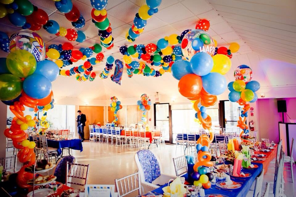 first birthday party themes ; celebrate-the-first-birthday-of-your-baby