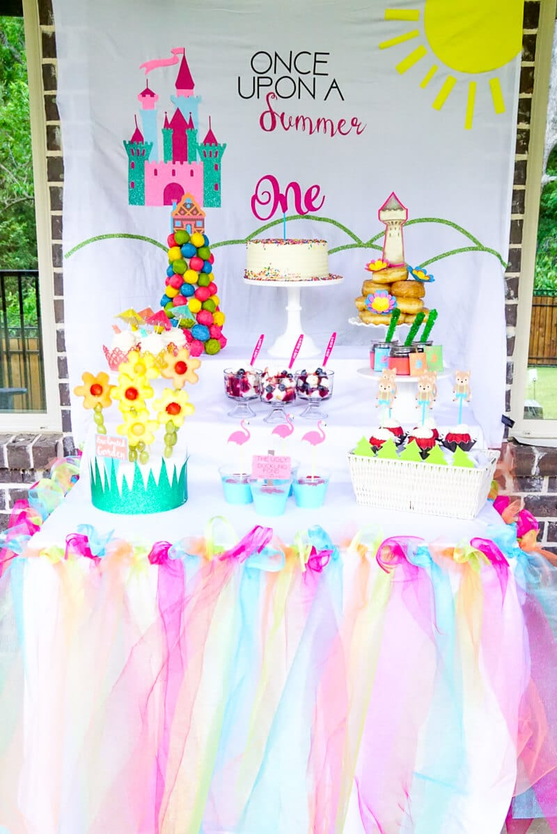 first birthday party themes ; summer-first-birthday-ideas-10