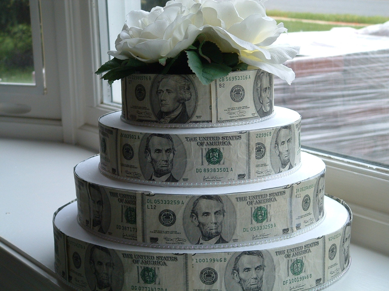 happy birthday money ; money-cake