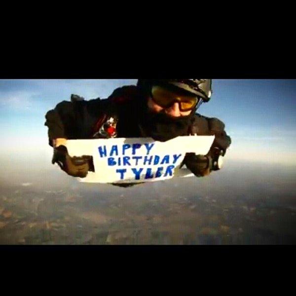 happy birthday skydiving ; B_lRwuhUsAA20WI