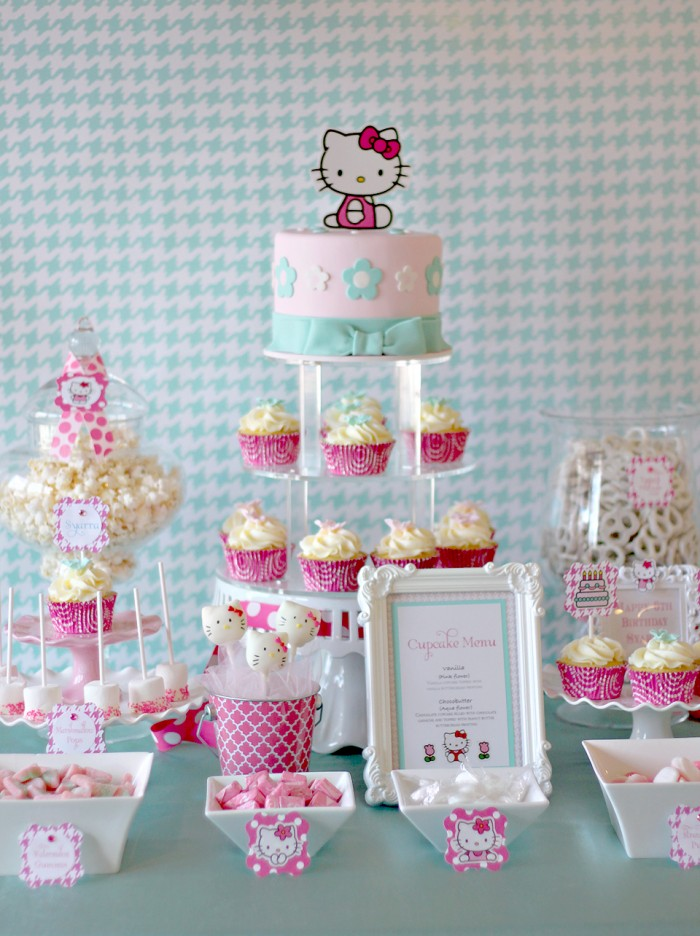hello kitty design for birthday ; couture_cakery12-700x936