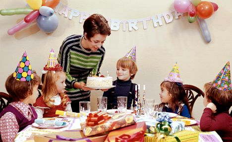 kindergarten birthday party ideas ; article-1155618-03AB86BE000005DC-523_468x286