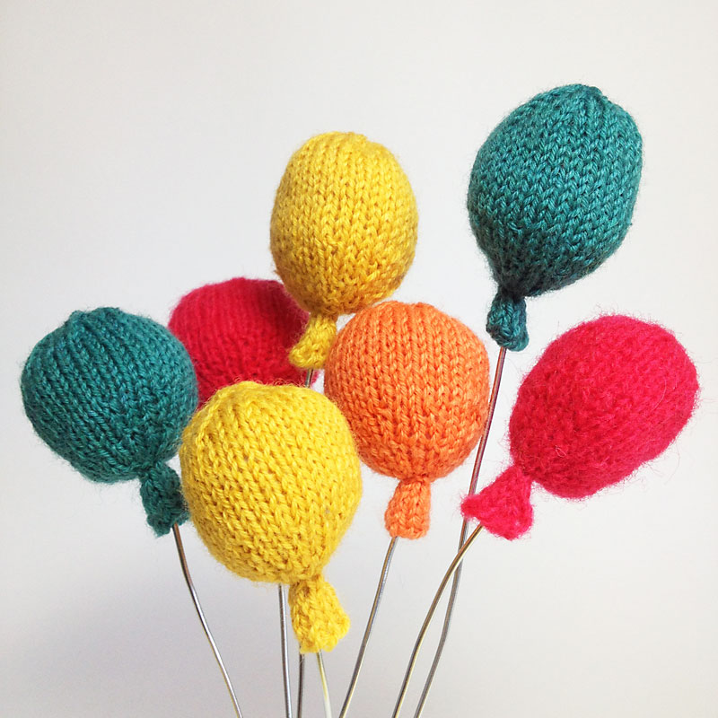 knitted birthday card pattern ; Knitted-Balloons-w