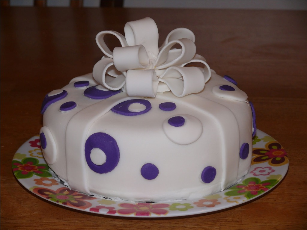 specialty birthday cakes photo gallery ; Decorative-Cakes-Ideas