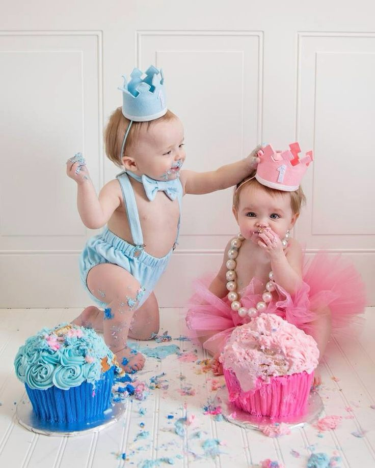 twins first birthday picture ideas ; 77401d36d32f20b44fc24dc56ee338a3--twin-birthday-happy-birthday