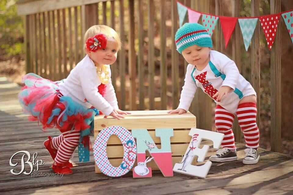 twins first birthday picture ideas ; fcba6fe36c50fc7b811cf8d7e4266062