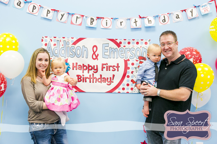 twins first birthday picture ideas ; twins-birthday-sign