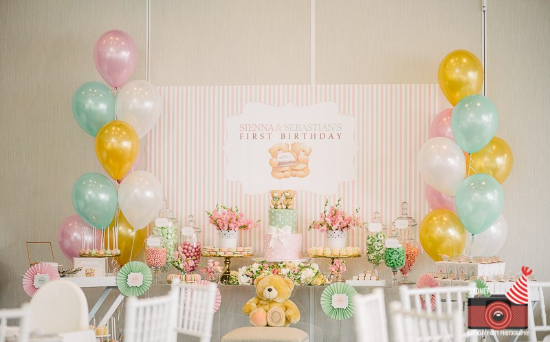 1st birthday party ; birthday-party-photographer-sydney-2-800x497