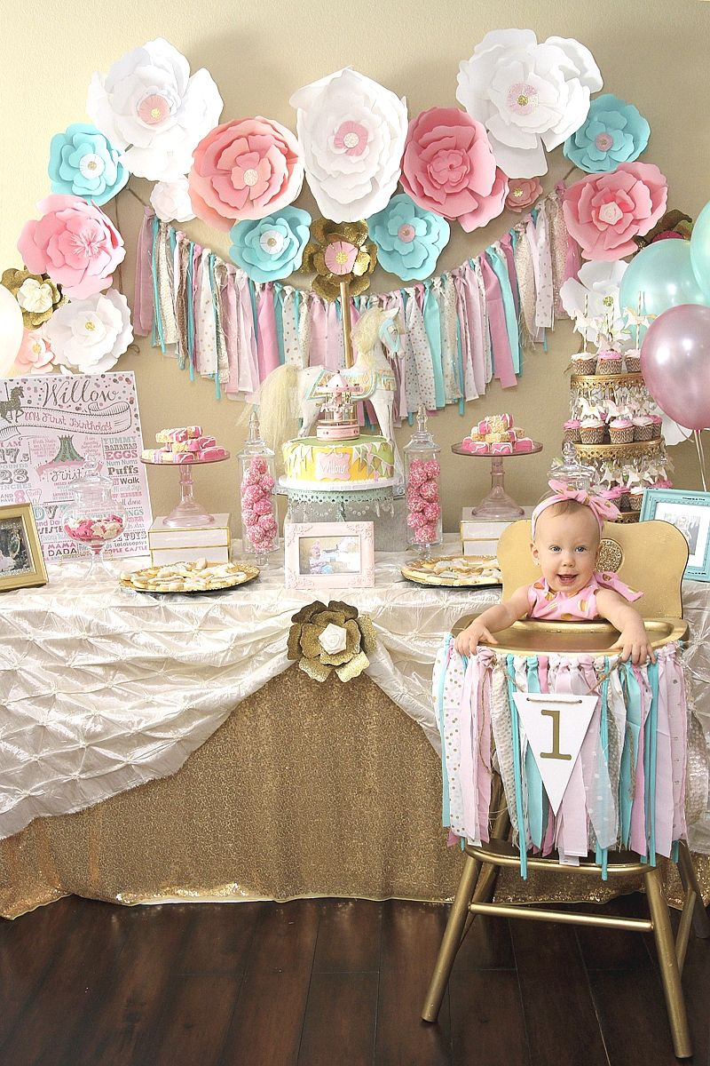 1st birthday party ; f5122e409f92e32139d43892f694bd38