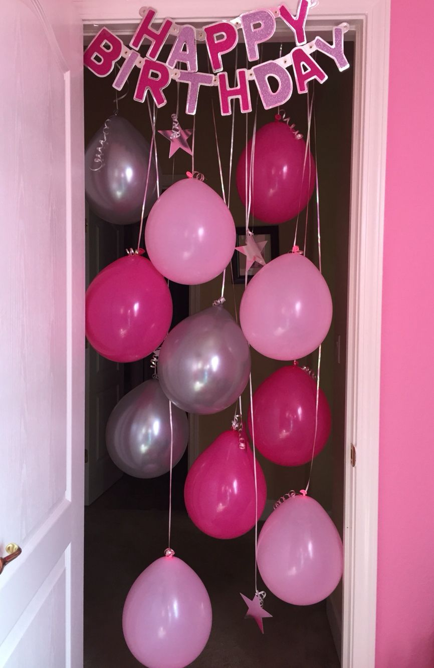 21st birthday banners and balloons ; 3d59577e945d456fb840ed2165bbd4e6
