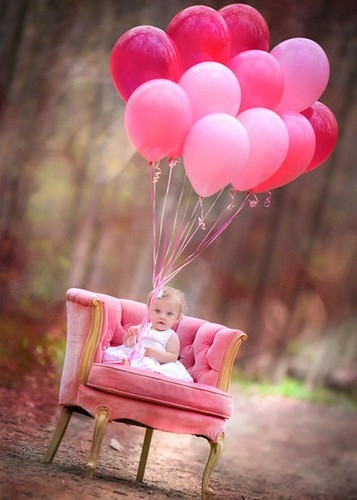 baby 1st birthday picture ideas ; 10_pictures_to_take_on_baby_s_first_birthday-2