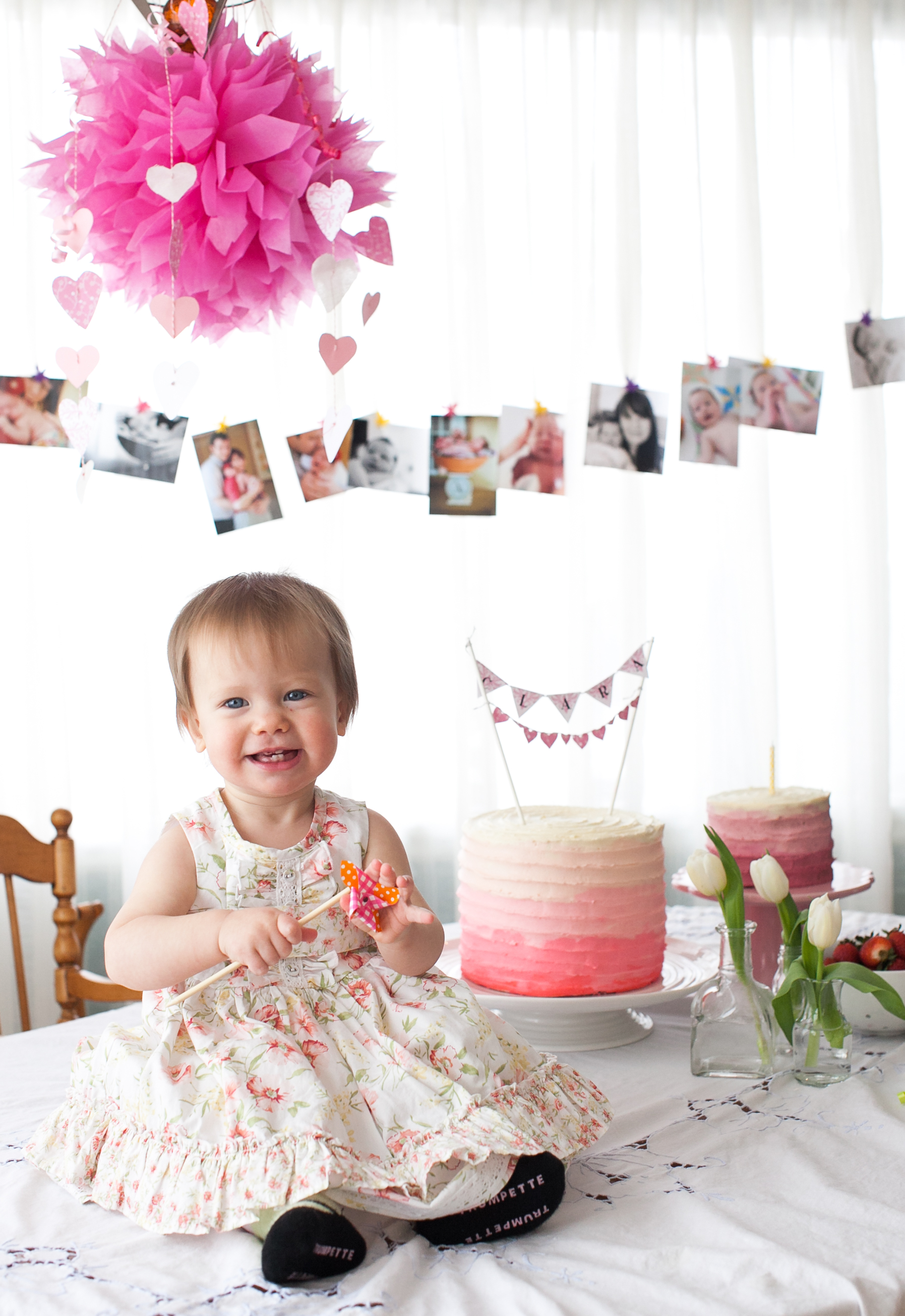baby 1st birthday picture ideas ; clara-on-table-1