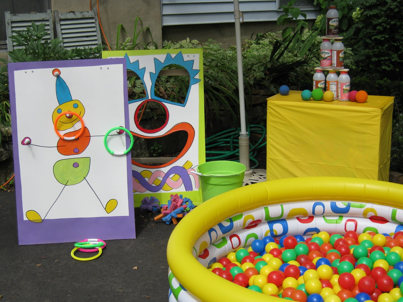 baby birthday party games ; carnival-themed-birthday-party-games