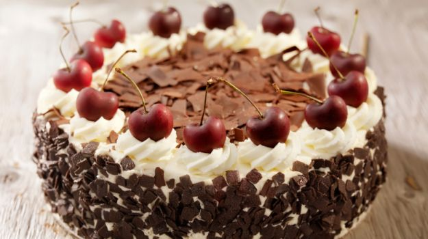 birthday cake with photo on top ; kinds-of-cake-top-10-birthday-cake-recipes-ndtv-food