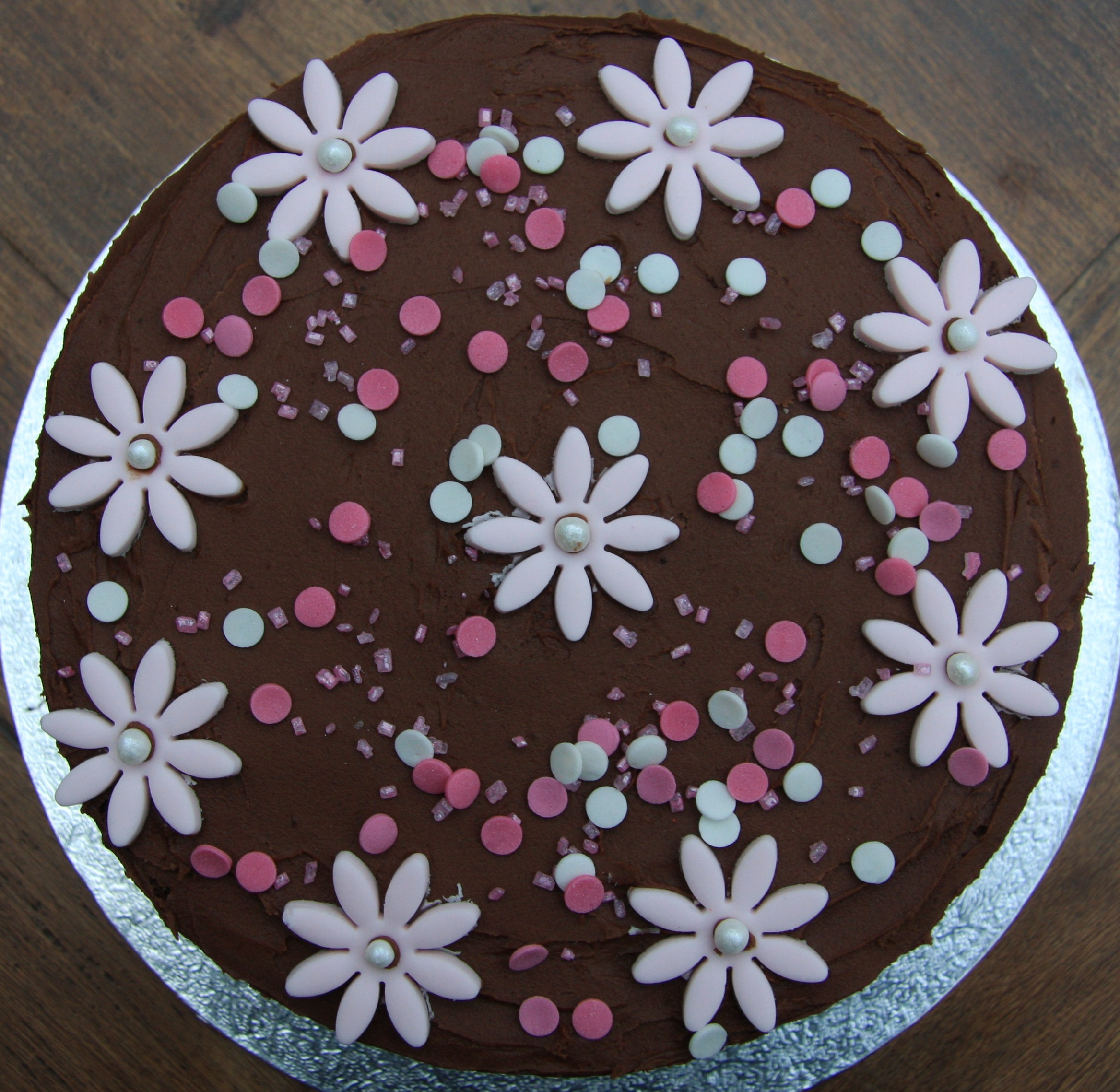 birthday cake with photo on top ; pink-choc-flower-cake-top-blog