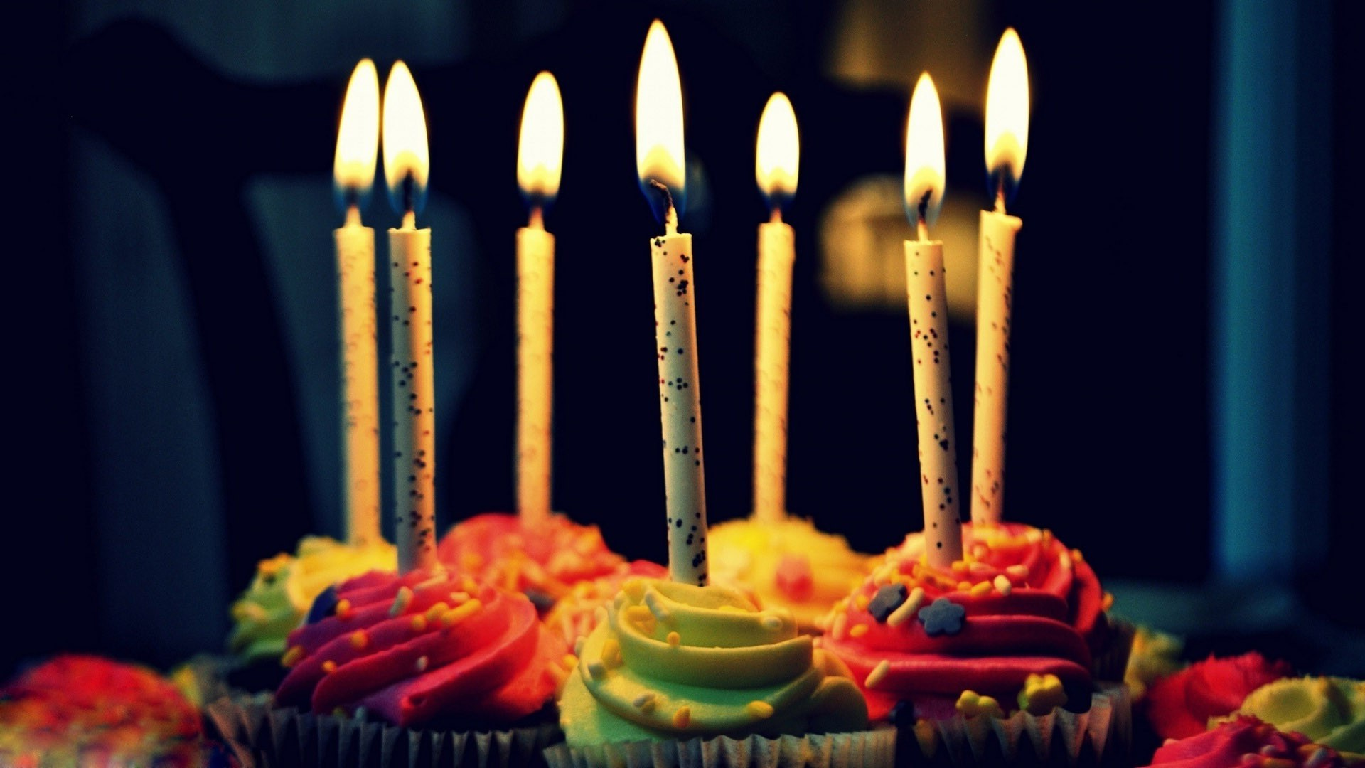 birthday hd ; Muffin-Birthday-Cake-Amazing-HD-Wallpapers-e1457881318372