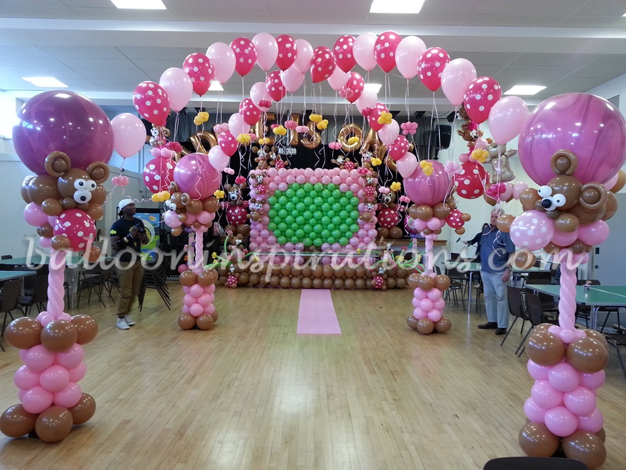 birthday party themes ; Teddy-bears-picnic-theme-dance-floor