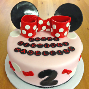 design your birthday cake online ; minnie-mouse-cake-the-solvang-bakery-3002