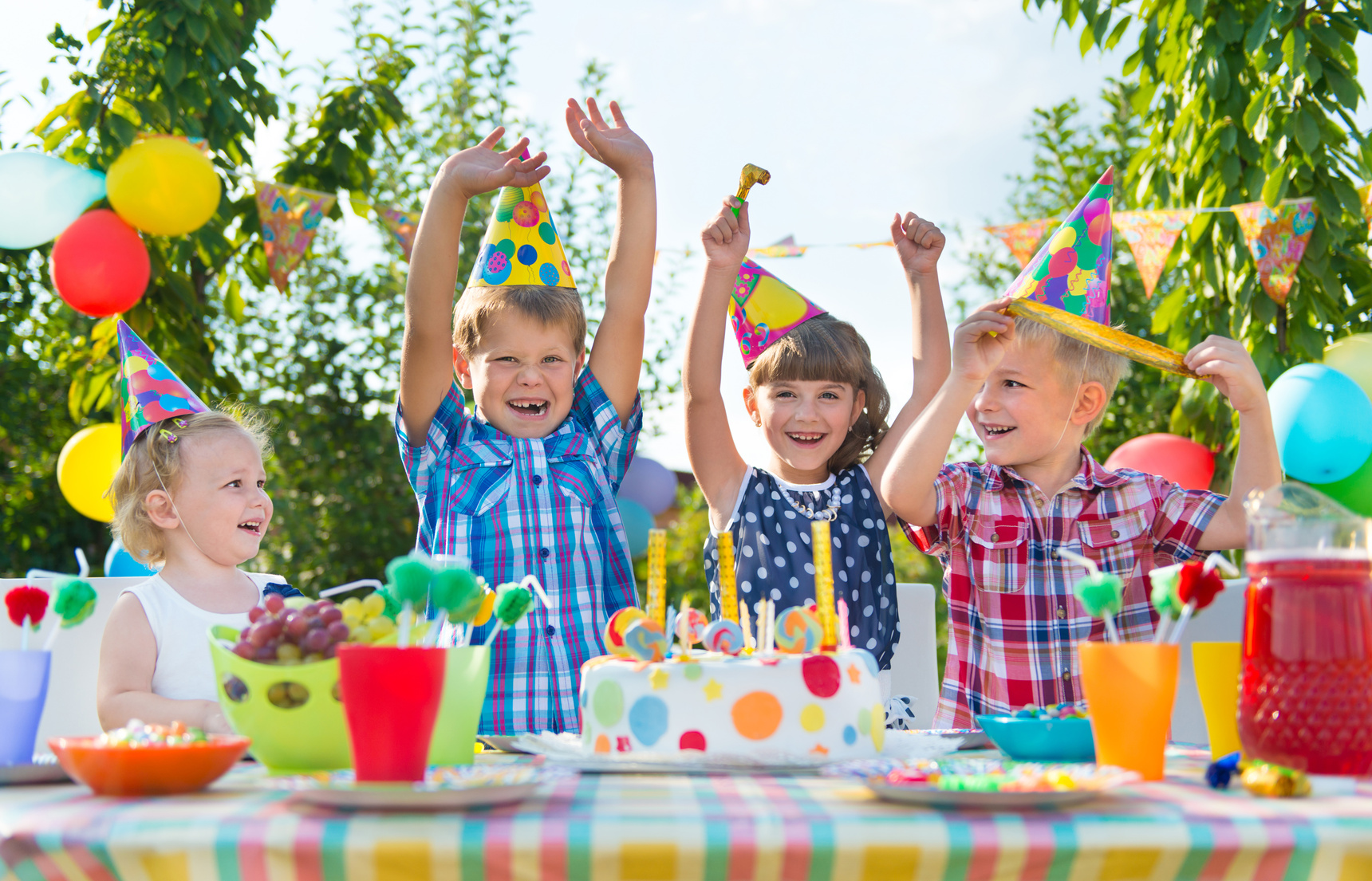 fun things for kids birthday ; BLOG-ECO-TOYS-AFK-Kids-at-party