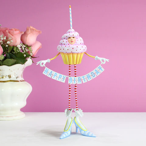 happy birthday cupcake images ; 31262-birthday-cupcake-fig-w-flowers
