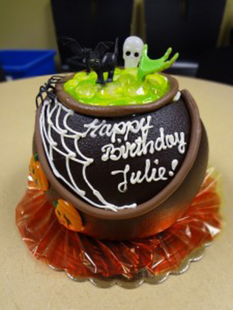 happy birthday julie cake ; happy-birthday-halloween-cakes_346839