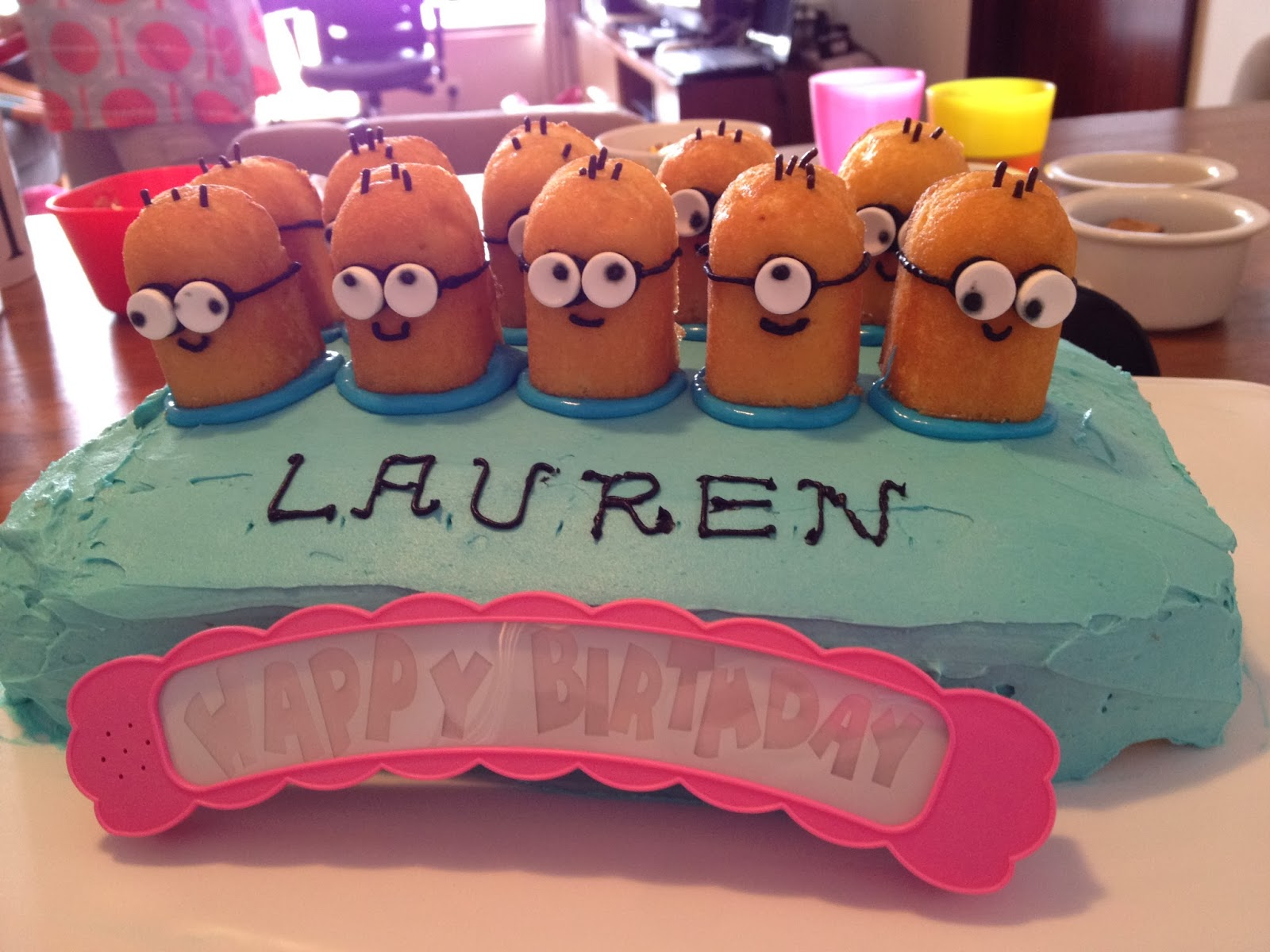 happy birthday lauren ; 131001+-+Minion+cake+1