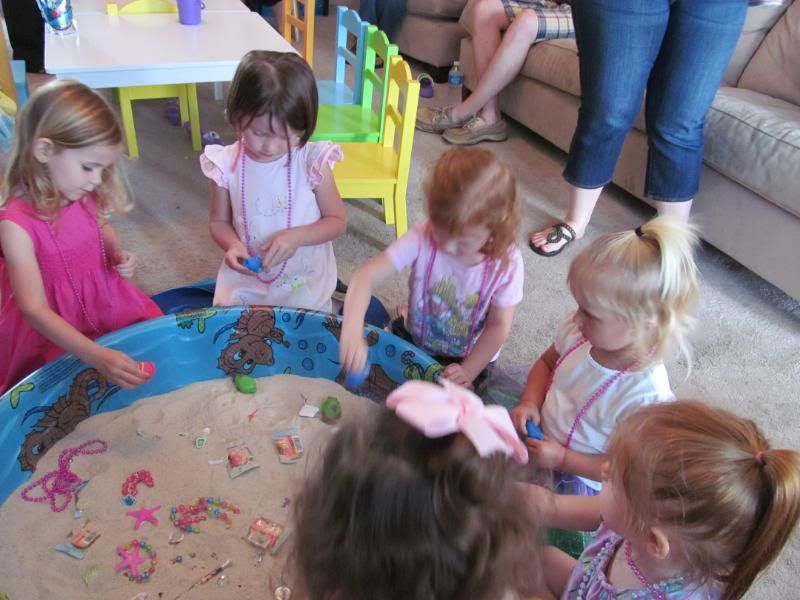 indoor activities for 3 year old birthday party ; 1766a39bb54f441fceb4ebcd687d6c6b