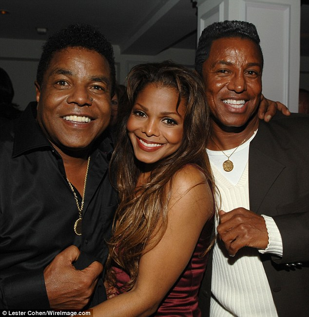 janet jackson birthday card ; 2920EBED00000578-3100084-Family_matters_At_her_birthday_celebration_her_brother_Jermaine_-a-1_1432769312840