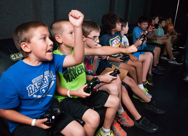 laser tag birthday party orlando ; gametruck-video-games-activity