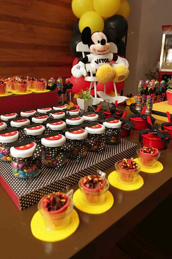 mickey mouse first birthday picture ideas ; 534022_374267669297749_1132004057_n_600x900