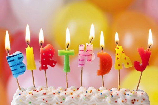 picture of birthday cake and balloons ; birthday-cake-balloons-600x400