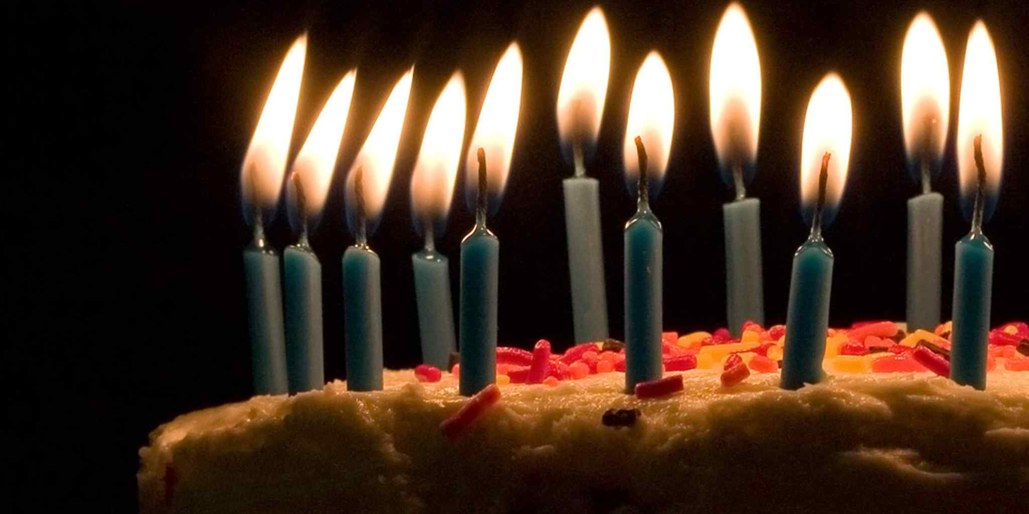 picture of birthday cake and candles ; 9111ef99a74a2a25198c4b22569850bd